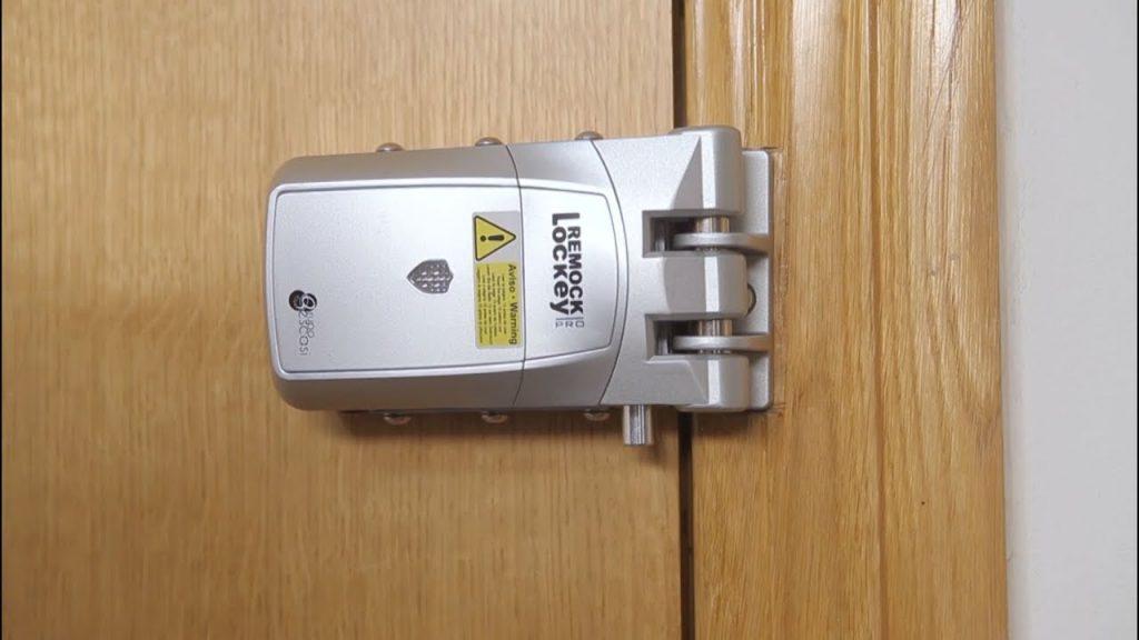 Cerradura invisible con mecanismo de novedosa ingeniería